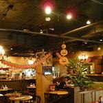 カフェ ラ・ボエム - ハロウィンの装飾