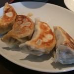 アジアン食堂 - 餃子です。
