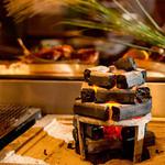 炉とマタギ - 新鮮な素材を炉端焼きで。。。