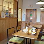 Cafe Musu.B - 自然素材・愛知県産木材を使った明るいカフェ