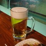 imbiss カリーブルスト - ビールはサッポロ(エビスとエーデルピルス)