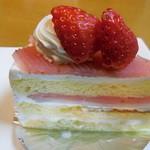 パティスリー カプリス - 桜のケーキ ◎