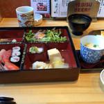 24734780 - 天然や・限定15食 寿司弁当