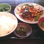 味良 - お昼のおすすめ定食