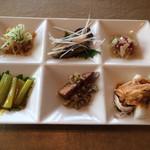 Tentsuusaikan - 前菜6種盛り合わせ
