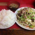 中華料理 味楽 - 肉野菜炒めライス大盛り(700円+100円)