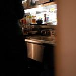 赤坂 みすじ - 暖簾の向こうは厨房です 2014.3.x