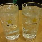 一軒め酒場 - レモンサワー:200円、酎ハイ:200円
