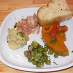カサレッチョ - 今回はパスタランチとお肉ランチをオーダしました。そのランチの前菜です。