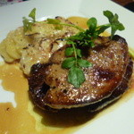 24750309 - 牛フィレ肉とフォグラのロッシーニ風~トリュフソース~(¥1,669)