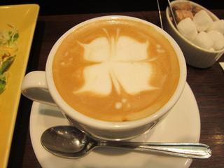 ナガハマコーヒー 秋田駅前店 - アートのバリエーションは最も豊富な店舗です