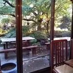 24753330 - 店内からお庭を眺めて。