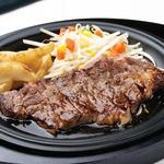 ポルティチェッロ - 鉄板ビーフステーキやチキンステーキをご用意しております。お肉も食べたい!という方におすすめです♪