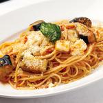 ポルティチェッロ - スパゲッティ 茄子とモッツァレラの辛口ミートソース