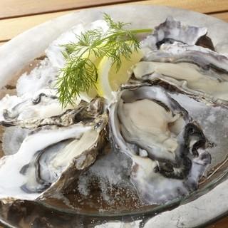 生牡蠣は全国各地より取り揃えております。