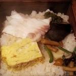 杏 - 相方は鯛のせいろ飯で