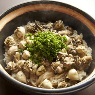 新鮮な旬の海鮮料理をお楽しみください