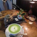 藍花珈琲店 - テーブルの上も綺麗です!