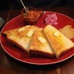 高品質珈琲と名曲 私の隠れ家 - バタートースト