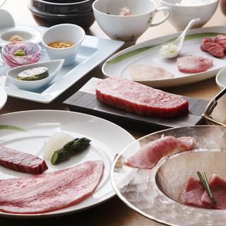 和牛タンシチューや和牛握り寿司など、サイドメニューも充実!
