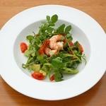 ラルゴ - 小エビと香味野菜のサラダ