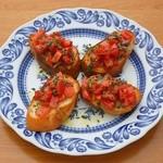 ラルゴ - アンチョビとトマトのブルスケッタ