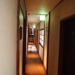 和牛料理 要 - 長屋の2Fには長い廊下