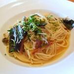 24776384 - 釜揚げシラスとつぶ貝、有機野菜のオイルソースパスタ