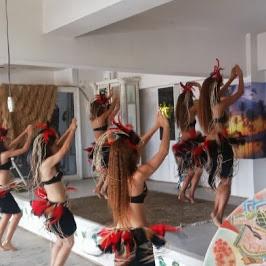 カメハメハ大王の渚 - 店内のステージでイベントもあります