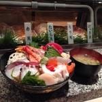 つかさ鮨 - 20種近いネタ!の海鮮丼!!