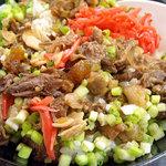 豊友 - 「牛スジ丼」牛スジ肉