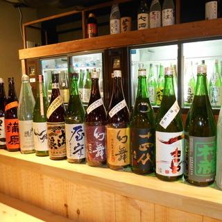 日本酒は常時50種以上取り揃えております♪1杯400円~