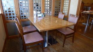 ピアチェーレ - テーブル席