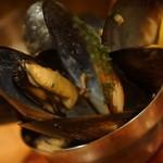バール エ ターヴォラ カルダ ラ・ジョストラ - ムール貝のワイン蒸し