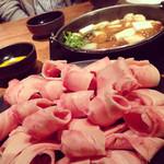 Tajimaya - 【鶏すき焼き 60分食べ放題 1000円】しゃぶしゃぶ、塩鍋も同料金で選べます。