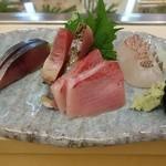 24785093 - 〆鯖 鰹 ブリ 鯛