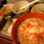 ねばり屋 - 【キムチそぼろ定食】(中)¥490