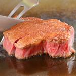 グリル アンドウ - 料理写真:黒毛和牛や新鮮魚介など高級食材を贅沢に鉄板焼きで!!