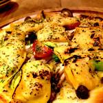 *ベジアンチョビソースと野菜のピッツア