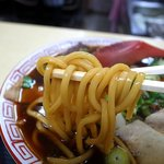 24804902 - 麺リフト~高井田系らしい極太麺です♪