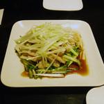 餃子厨房 福楽門 - 蒸し鶏と長ネギの和え物・・・だったかな?
