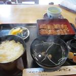 岸川うなぎ - 料理写真:15分位待つと注文した蒲焼き定食(竹)1900円が運ばれてきました。