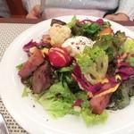 ビストロ ダイア - ため息が出るくらい野菜たっぷりのニース風サラダ