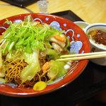 味の民芸 - 海鮮皿うどんAセット、ミニひれかつ丼付き、1575円。