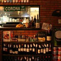 アニマート - ワインのストックは常時30本。がぶ飲みがテーマです。フルボトル\2600~