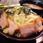神兵衛 - 夕ご飯は、ごまつけ麺銀河盛り(4玉分)!(^ー^)ノ4玉分とはいえ1200gという、なかなかの量!(^◇^