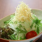 やけぼっくい - 和食屋のサラダ700円。