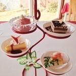 ◆デザートケーキ (プチツリーに4種のスイーツを飾りました。)
