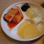2488924 - 冷麺館 キムチ&野菜