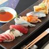 鮨匠 Sakura - 料理写真:丁寧な仕事が伺える握りを一貫ずつお楽しみ頂けます。